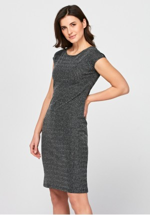 Dress with cleavage on the back