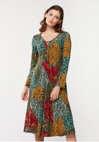 Rozkloszowana sukienka w kolorowe wzory