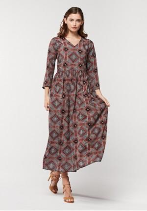 Bordowa sukienka maxi