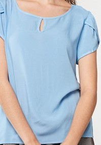 Błękitna bluzka