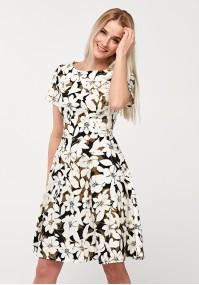 Odcinana sukienka w kwiaty