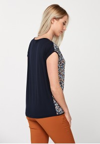 Blouse with flowers