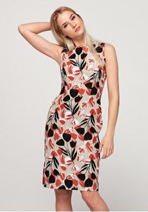 Dopasowana sukienka w kwiatki