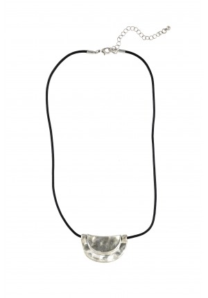 Semicircular metal necklace