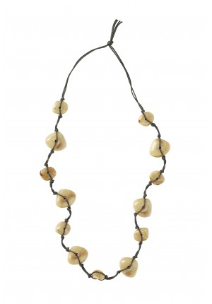 Necklace with beige stones