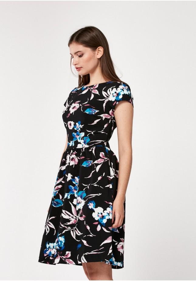 Ciemna rozkloszowana sukienka