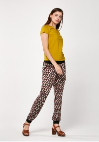 Pants with geometric pattern