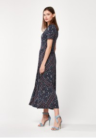 Długa granatowa sukienka