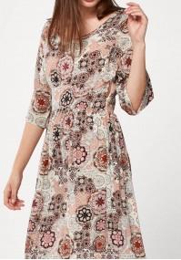 Maxi sukienka w ornamentowy wzór