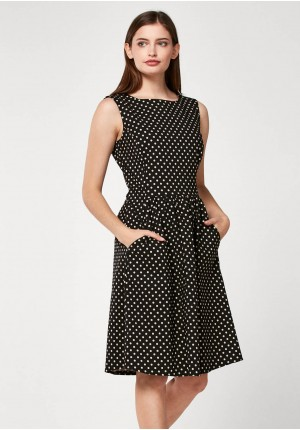 Elegant dress with dots
