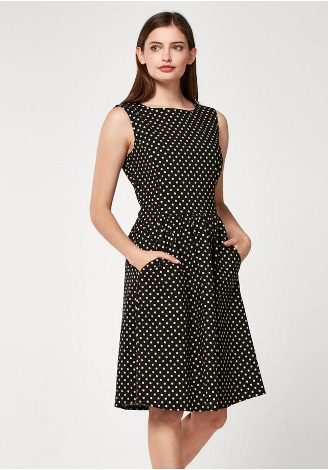 Elegant dress with dots