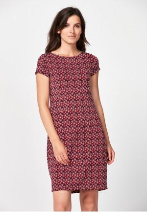 Fitted dress with red flowers