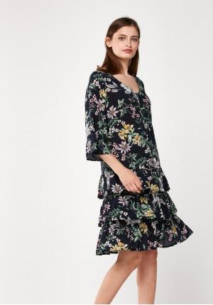 Kwiecista sukienka z falbanami