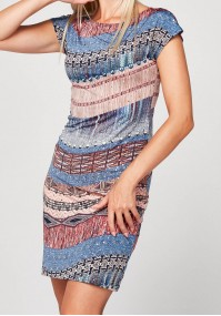 Prosta sukienka z drobnymi cekinami
