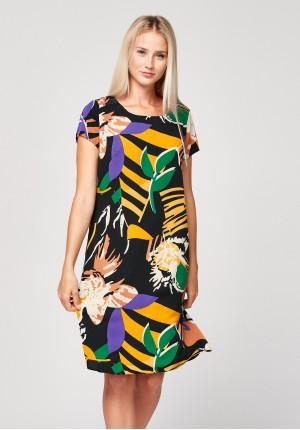 Prosta sukienka w kolorowy wzór