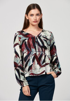 Loose blouse with leaves