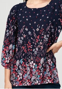 Blouse with pink flowers