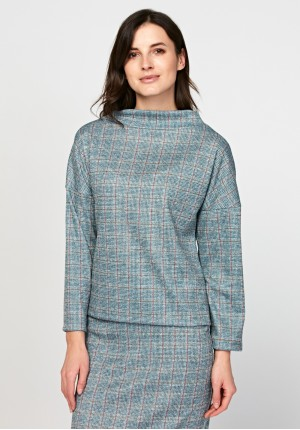 Comfortable blouse with semi-golf