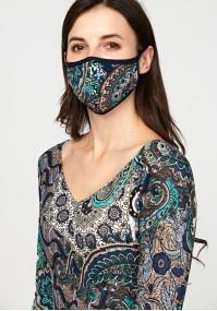 Maska w geometryczne wzory
