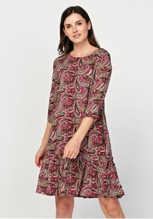 Różowa sukienka paisley