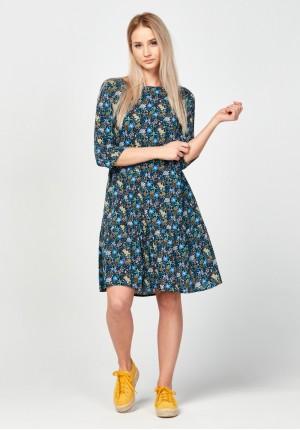 Kwiecista rozkloszowana sukienka