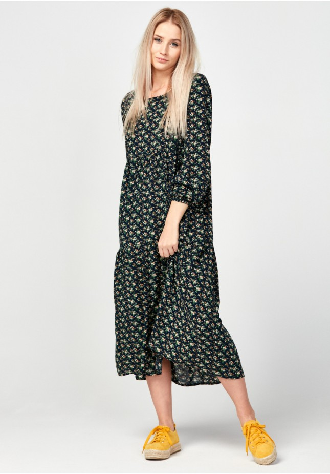 Trapezoidal dress with flowers