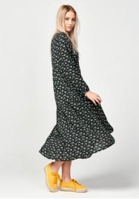 Trapezowa sukienka łączka