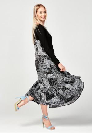 Długa sukienka z czarnym przodem
