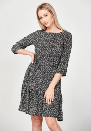 Flowery dress with a belt