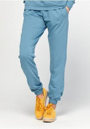 Niebieskie spodnie domówki