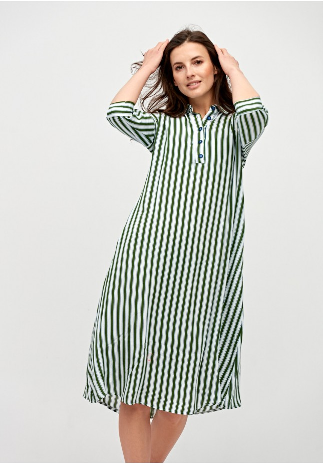 Simple dress with stripes