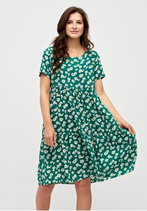 Dress with chamomiles