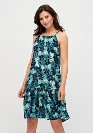 Dress with shoulder straps
