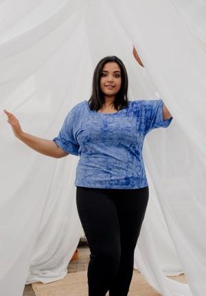 Niebieska cieniowana bluzka