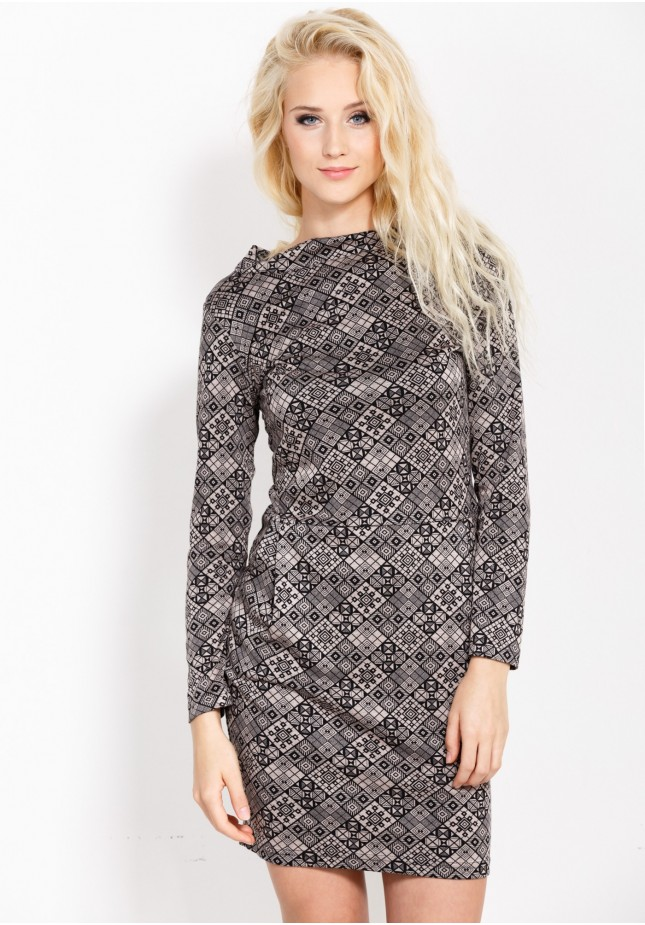 Dress with pockets and semi-golf