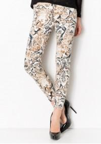 Spodnie z wężowym motywem